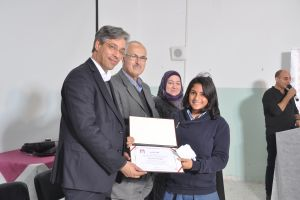 مؤسسة فيصل الحسيني تكرم الفائزين في نادي البحث العلمي في مجال العلوم الاجتماعية في ثلاث مدارس في القدس