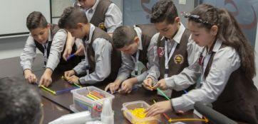 مؤسسة فيصل الحسيني تطلق مسابقة بناء وبرمجة الروبوت المختصة بالنباتات